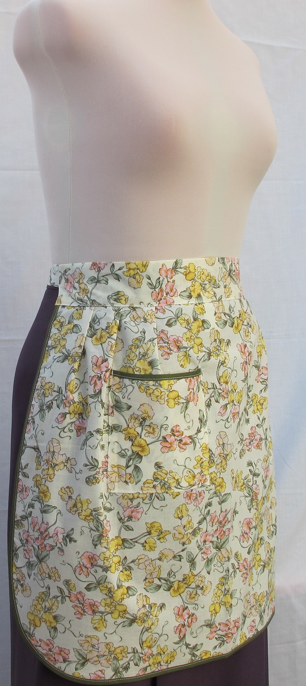 White half apron with pockets - White Half Apron With Pockets 88
